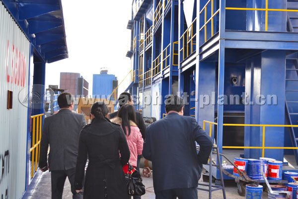 customers-from-uzbekistan-visited-our-asphalt-plants